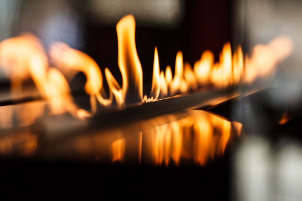 FLA2 model E is a simple, yet smart and stylish way to provide natural fire in your interior.